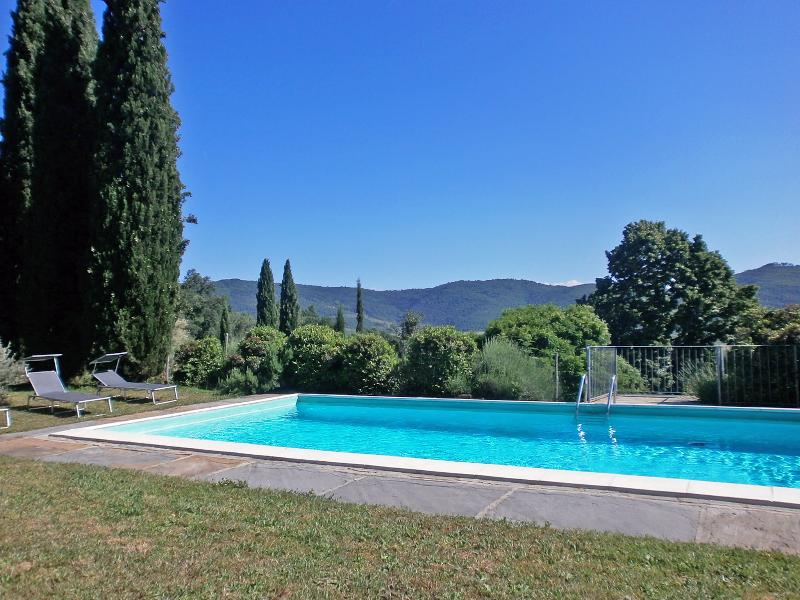 Views of the Cortona countryside from the pool - Cortona Wiisteria Villa, A Lovely Relaxing Retreat - Cortona - rentals