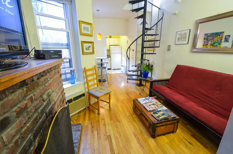 2br Duplex w/ Private Roof deck Near Empire State! - Image 1 - New York City - rentals