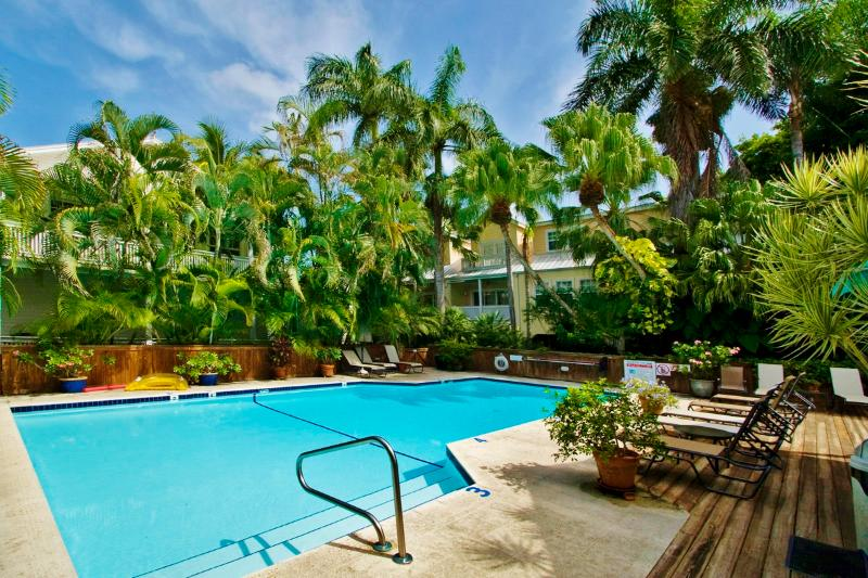 """28 NIGHT MINIMUM STAY REQUIREMENT - SOUTHARD SQUARE HIDEAWAY - """"SOUTHARD SQUARE HIDEAWAY"""" Monthly- Parking & Pool - Key West - rentals"""