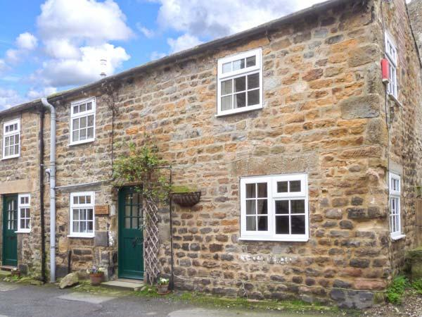 STABLE COTTAGE, end-terrace cottage, ideal for a couple or family, lots to see and do in the area, in Masham, Ref 903974 - Image 1 - Masham - rentals