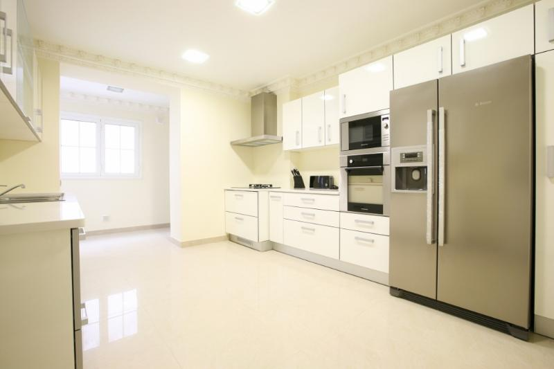Luxury Air Conditioned 4 Bedroom apartment, Sleeps 8 in Central Lisbon - Image 1 - Lisbon - rentals