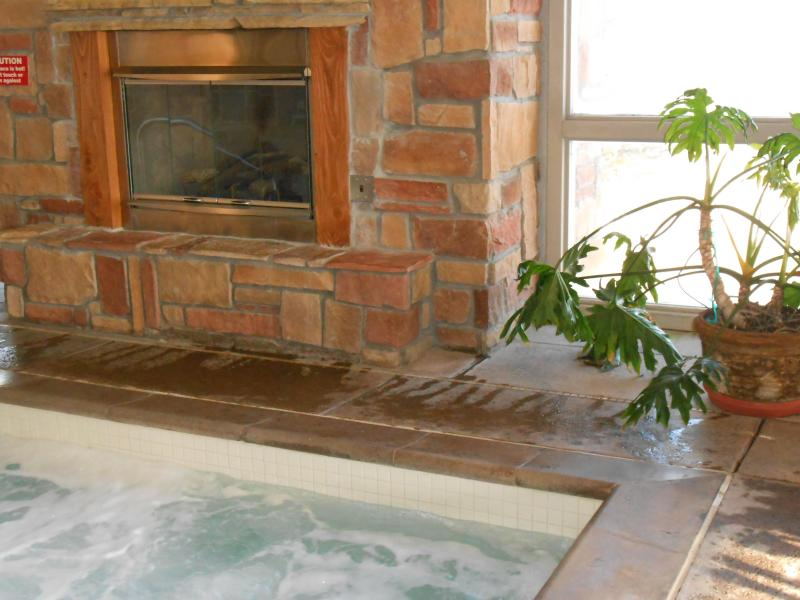 2 hot tubs - Junior Villa w/adjoining door to another villa CBL - Brian Head - rentals