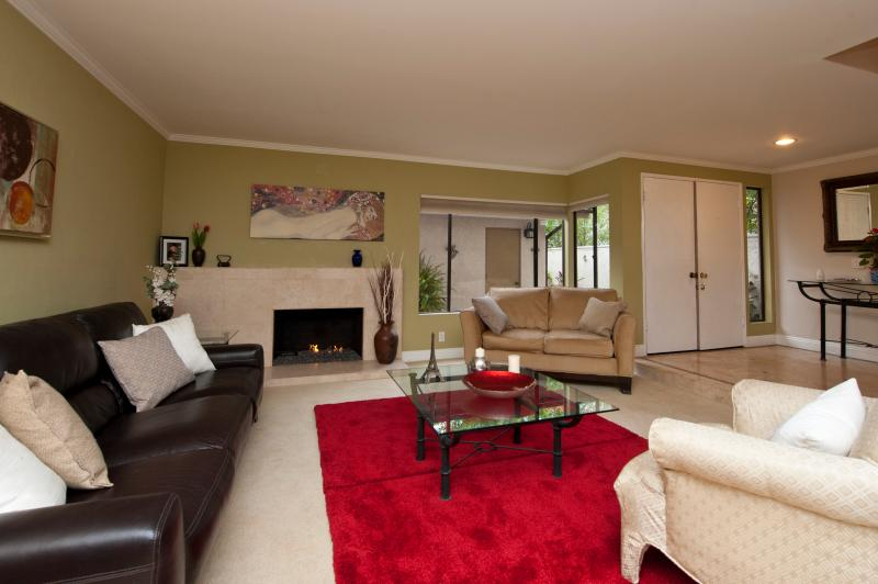 Living Room - Casa Miranda Anaheim Hills-near Disney & Beaches - Anaheim - rentals