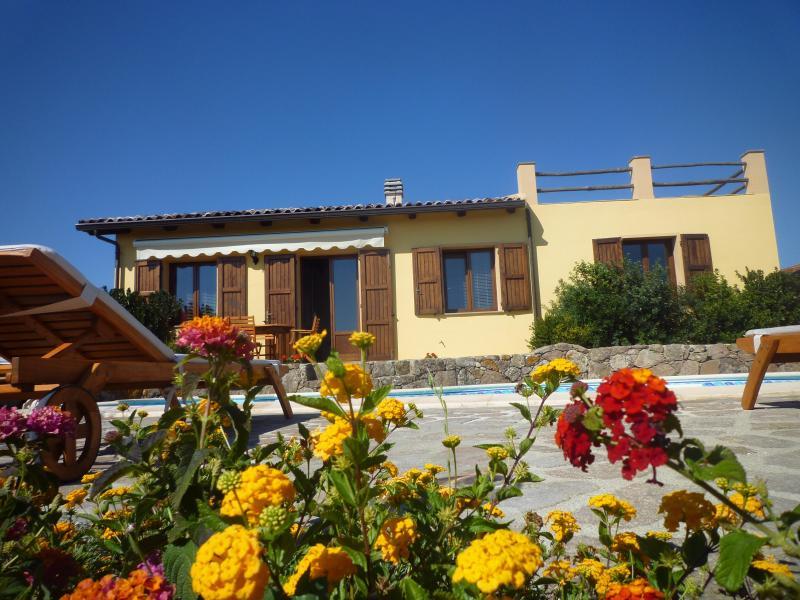 Vista Esterna - Villa con piscina e tennis privati - Nulvi - rentals