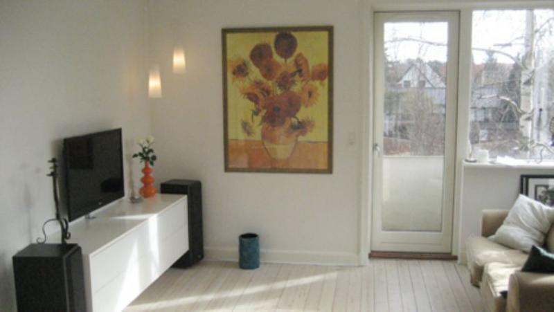 Baekkeskovvej Apartment - Nice and bright Copenhagen villa apartment at Vanloese - Copenhagen - rentals