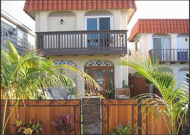 La Jolla Beach Rental Condo With Private Yard - Image 1 - La Jolla - rentals