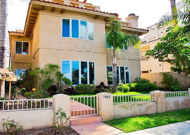 La Jolla Village Rental Home With Ocean Views: Walk Downtown or To The Beach! - Image 1 - La Jolla - rentals