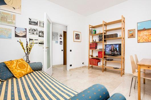 Bright 1bdr with small balcony - Image 1 - Milan - rentals