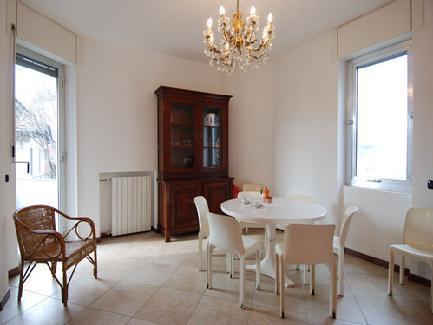 Bright 1bdr apt w/balcony - Image 1 - Milan - rentals