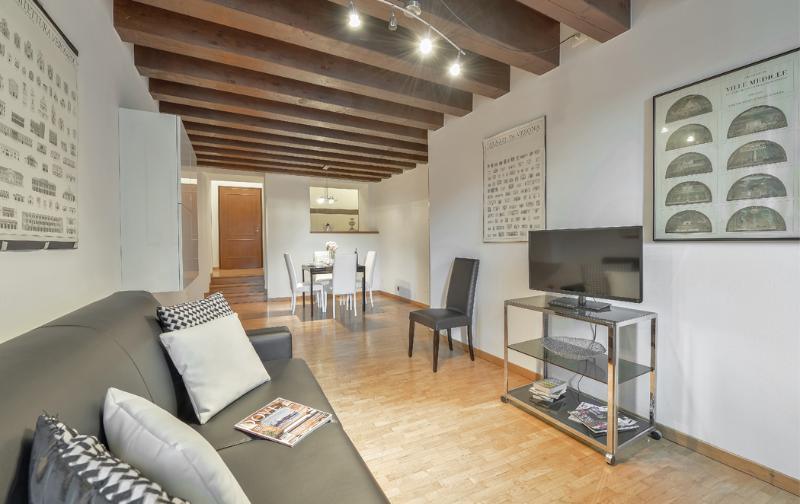 Stunning 1bdr apt in elegant palace - Image 1 - Verona - rentals