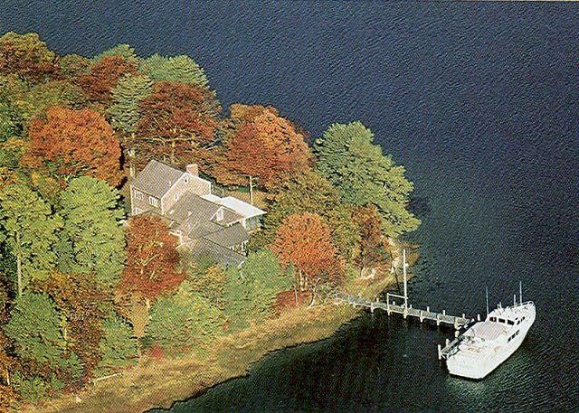 Ariel overview of house - JAMPM - Waterfront, Waterview, Tashmoo Cove, dock - Vineyard Haven - rentals