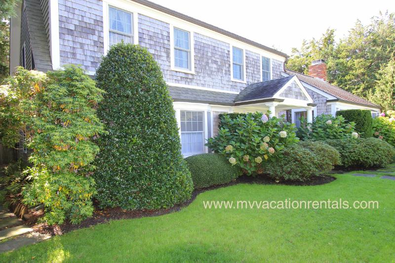 Front of House - WALSJ - Beautiful gardens in private setting, a classic Edgartown Village home - Edgartown - rentals
