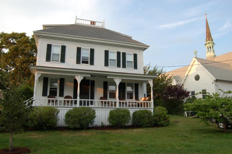 Front of House - MONAR - In-Town, Walk to Beach, Wifi Internet - Oak Bluffs - rentals