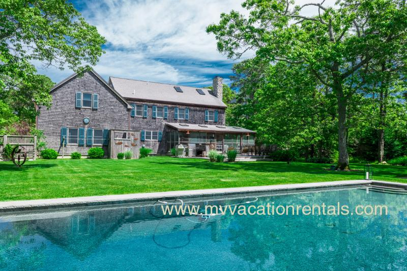 Luxury Katama Home - LEMAA - Katama Luxury Home - Private Heated Pool with Pool Bar and Patio, Private Landscaped Yard, Screened Porch with Dining Area and Outdoor Living Room, Spacious Deck overlooks Yard and Pool, A/C - Edgartown - rentals