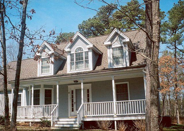 Front of House - NICHJ - Tashmoo Cove, Walk to Association Beach, Tennis and Pool, Central Air - Vineyard Haven - rentals