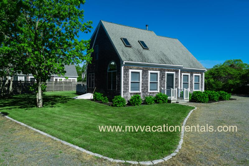 Entry, Yard, and Parking - STROD - South Beach Edgartown, WiFi - Edgartown - rentals