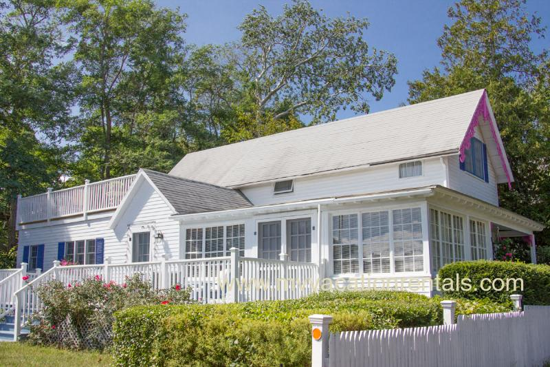 VANAL - Updated Gingerbread Cottage, 5 Minute Stroll Along Harbor to Beach and Town Center, 3 TV's, WiFi - Image 1 - Oak Bluffs - rentals