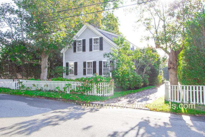 School Street Entrance - POLLE - Edgartown Village Location, Exquisite Decor, Private Patio and Yard, Central AC - Edgartown - rentals