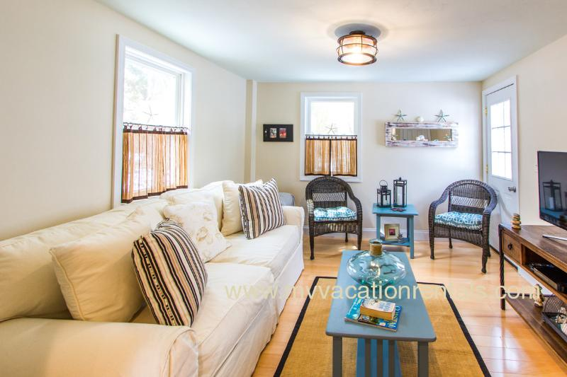 HODGO - ADORABLE, RECENTLY RENOVATED COTTAGE, WALK TO TOWN,  BEACH and FERRY - Image 1 - Oak Bluffs - rentals