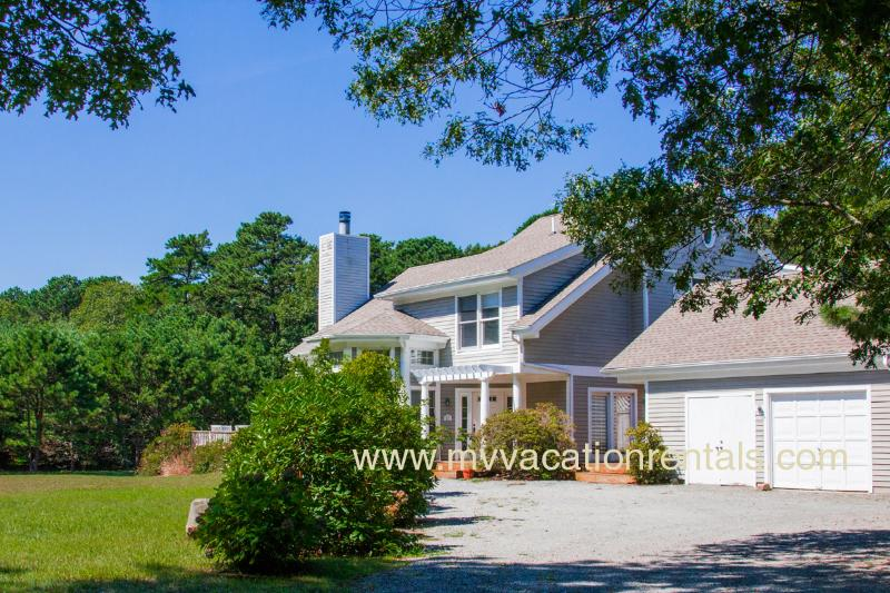 Entry Side of Condo - POLCJ - Tashmoo  Cove Condominium, Private Association Pool, Tennis and Beach, Central Air, WiFi - Vineyard Haven - rentals