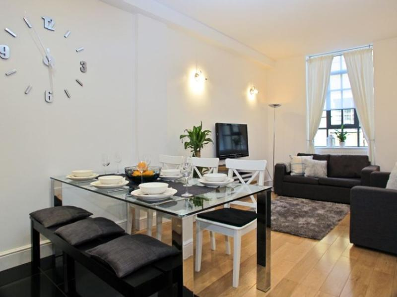 Covent Garden 2 Bedroom 1 Bathroom (4300) - Image 1 - London - rentals