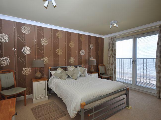 Double Room - AY163 - Ayr - rentals