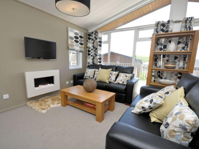 Bright lounge area - SUDAZ - Newton Ferrers - rentals
