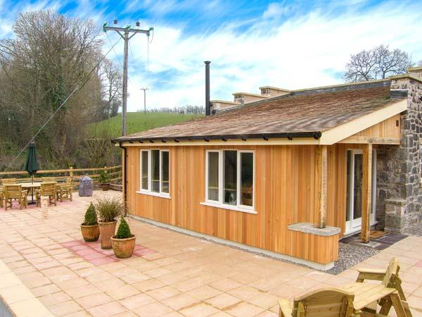 THE LAMBING SHED, detached cottage, all ground floor, woodburner, pet-friendly, in Dyserth, Ref 29036 - Image 1 - Dyserth - rentals