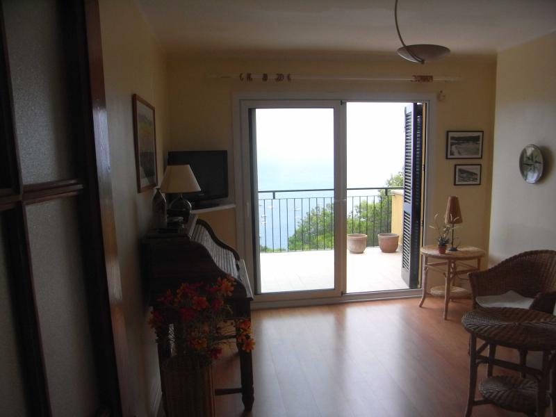 Living-room - Apartment near the beach. Great views! 3 bedrooms. Costa Brava, Spain - Tamariu - rentals