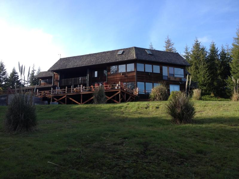 The GOLFERS Lodge - Image 1 - Bandon - rentals