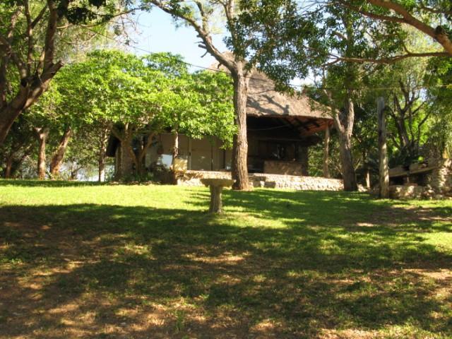 cottage lawn - Bush Camp #70 Ndlovumzi Reserve  Hoedspruit - Botswana - rentals