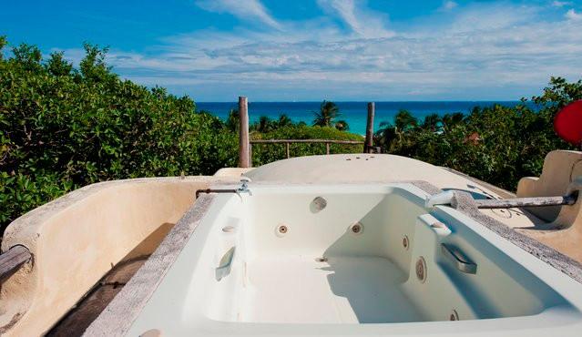 Quaint Family Villa Xaguar 2mn walk to the Beach - Image 1 - Playa del Carmen - rentals
