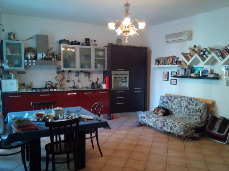 LIVING ROOM - KITCHEN - In Vucciria Old Market-Bar and tipical Street Food - Palermo - rentals