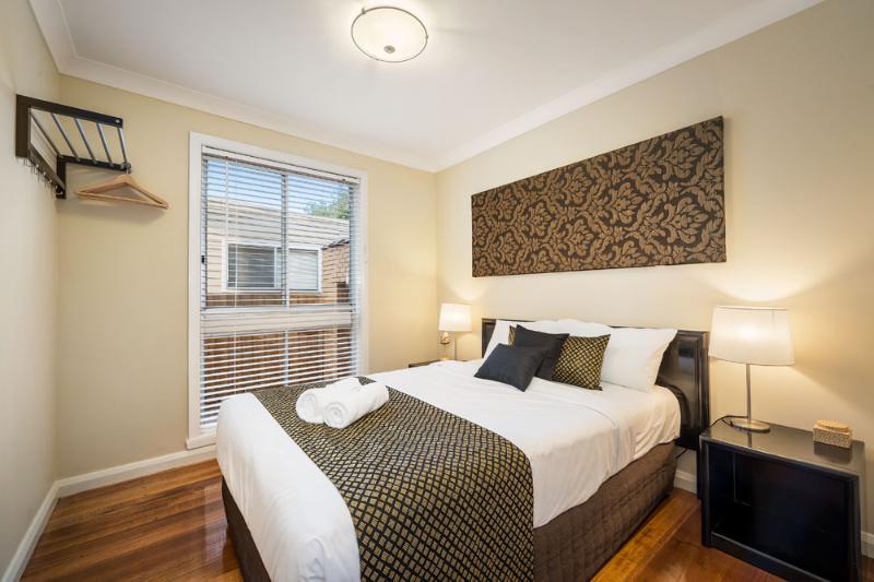 Double Bedroom - Impressive 9 bedroom Entire home Melbourne city - Melbourne - rentals