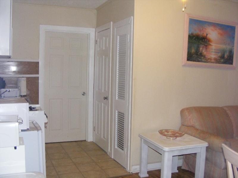 Front room and Hall - Wildwood NJ Walking Distance to Beach & Boardwalk - Wildwood - rentals