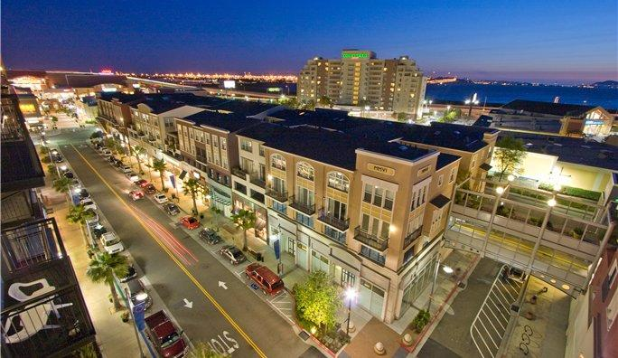 Beautiful 2BR / 1.5BA Condo mins to SF, Oak & Bky - Image 1 - Emeryville - rentals