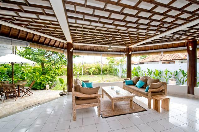 Open living room with large private garden - Wonderful, spacious villa 5 mn. from Echo Beach - Canggu - rentals