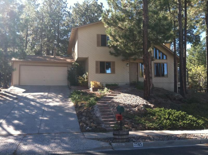 Front of house - Gorgeous Peak Views - Flagstaff - rentals