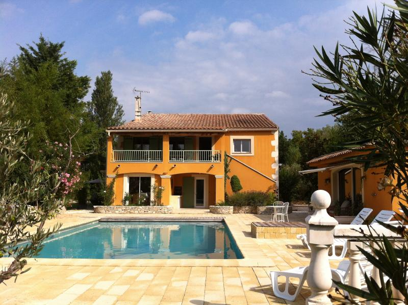 South view - Charming 4 Bedroom House, Avignon Provence on an Island - Avignon - rentals