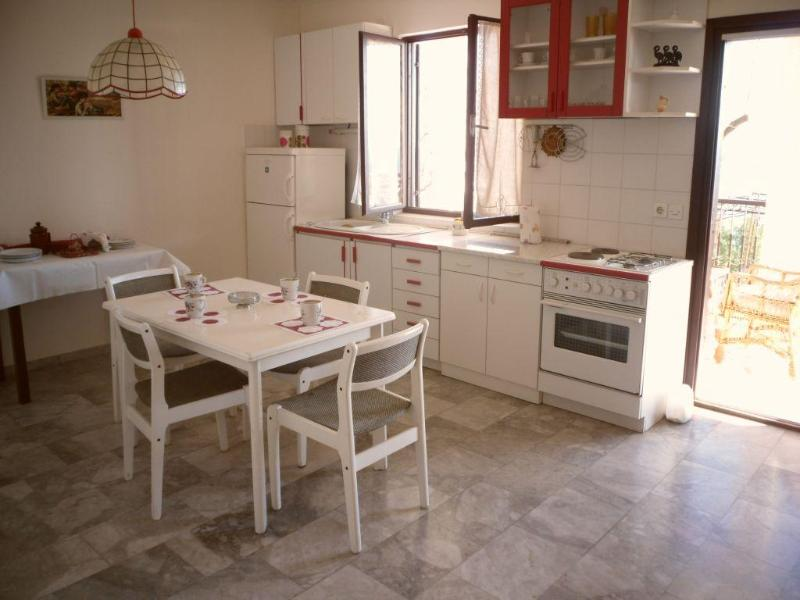 Living room and fully equipped kitchen with entrance on the balcony - AV Rako Apartment 1 - Okrug Gornji - rentals