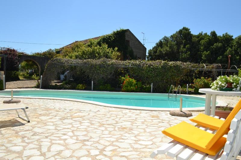 Our house, in the middle of the peace ! - VILLA RUBINO: Picturesque villa with pool immersed in the nature - Ummari - rentals