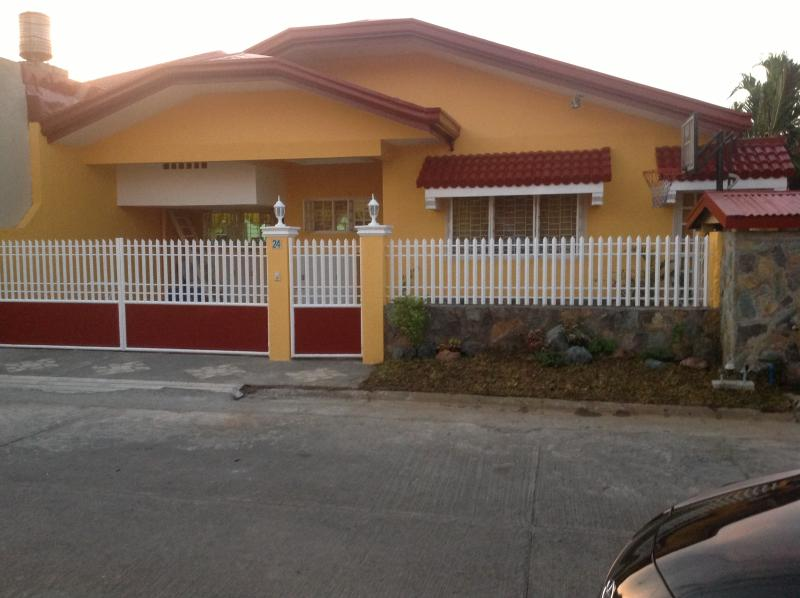 Front of the house - Family Vacation House - Patnongon - rentals