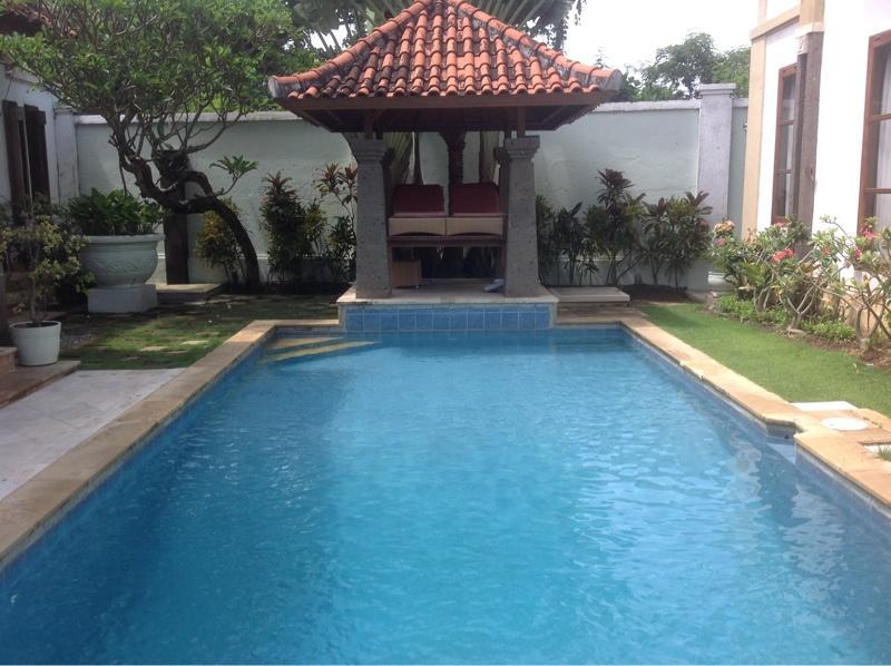 Pool & Bale - Tanjung Benoa villa - short stroll to beach - Nusa Dua - rentals
