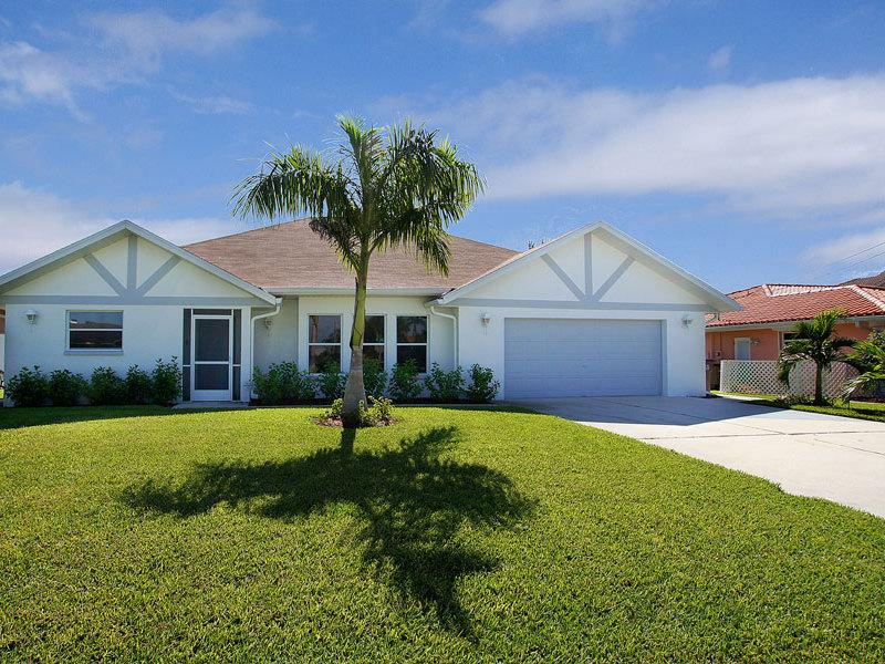 Casa Maya–15 Minutes to Open Waters, Dock and Lift - Image 1 - Cape Coral - rentals