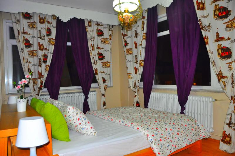 Bedroom 1 - Comfort 140m2 4+1 Apartment In Aksaray Findikzade Up To 10 Persons - Istanbul - rentals