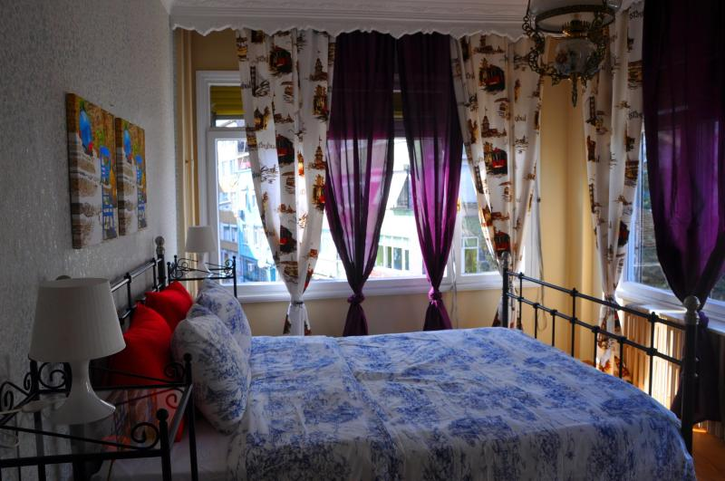 Bedroom 1 - Modern&central 140m2 Apartment In Heart Of Istanbul - Istanbul - rentals