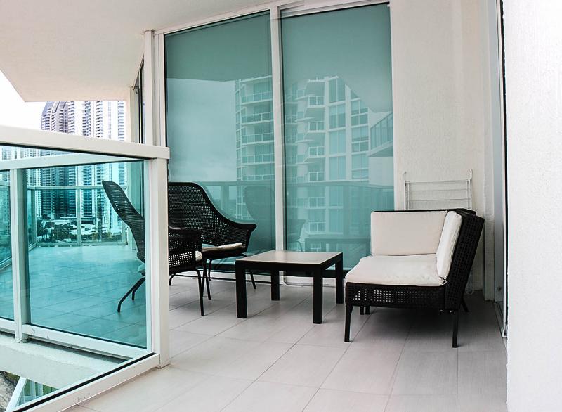 Spectacular/Luxury 3 Bed 2 BA Condo-St. Tropez !!! - Image 1 - Sunny Isles Beach - rentals