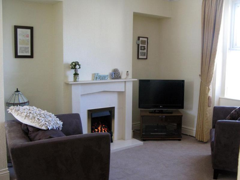 modern lounge with ps 3 game console flat screen tv and muscic system - Bank house luxury holiday cottage Ingleton - Ingleton - rentals