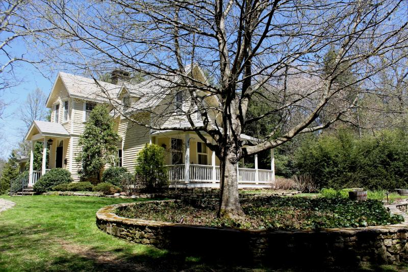 Yard and Exterior - Hutchinson House at Old Edwards Inn & Spa - Highlands - rentals