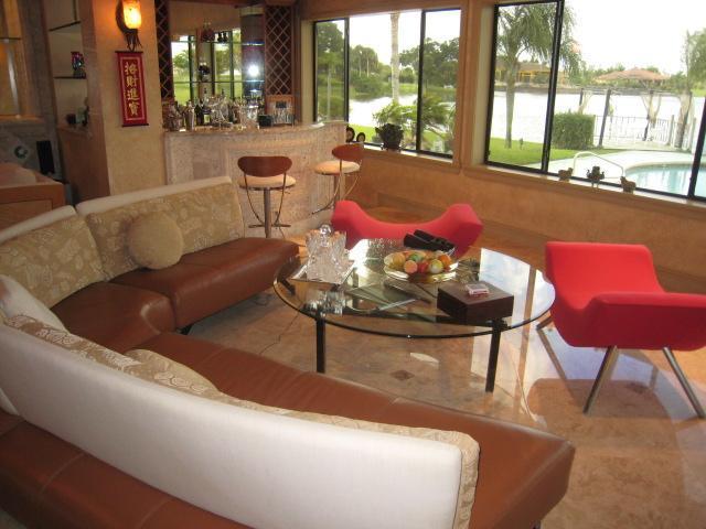Beautiful Living Room Overlooking Serene Lake - Luxury Home Mins From  Polo Equestrian Wellington - Wellington - rentals
